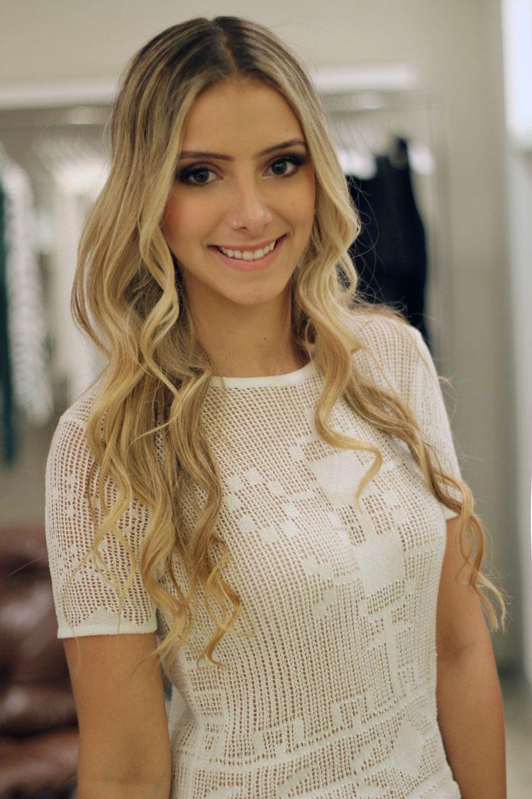 look-ateen-reveillon-saia-paete-bordados-prata-ateen-camisa-tricot-branca-ateen-sandalia-iorane