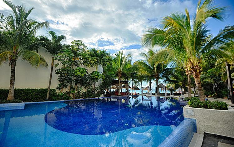 deborah-zandona-cancun-grand-oasis-viva-beach-resort