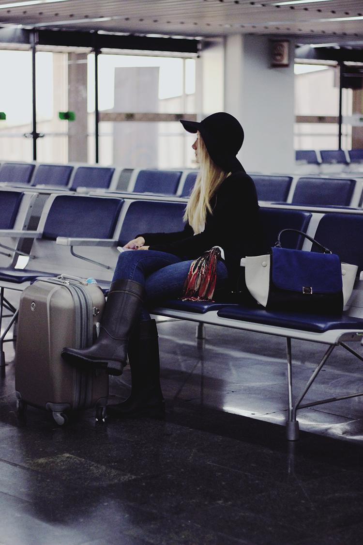 look-aeroporto-galeao-ezeiza-buenos-aires-galocha-chapeu-floppy-mala-de-mao-trapeze-bolsa