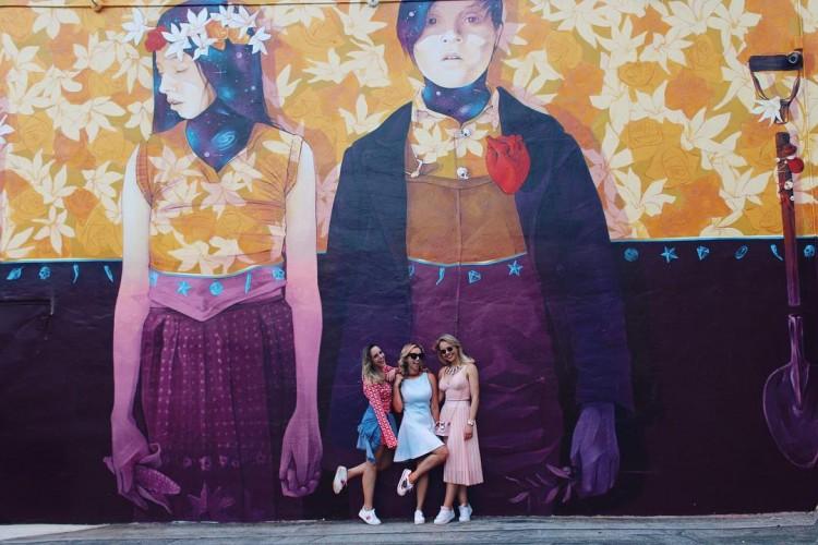deborah-zandonna-look-wynwood-walls-miami-wynwood-district-girls