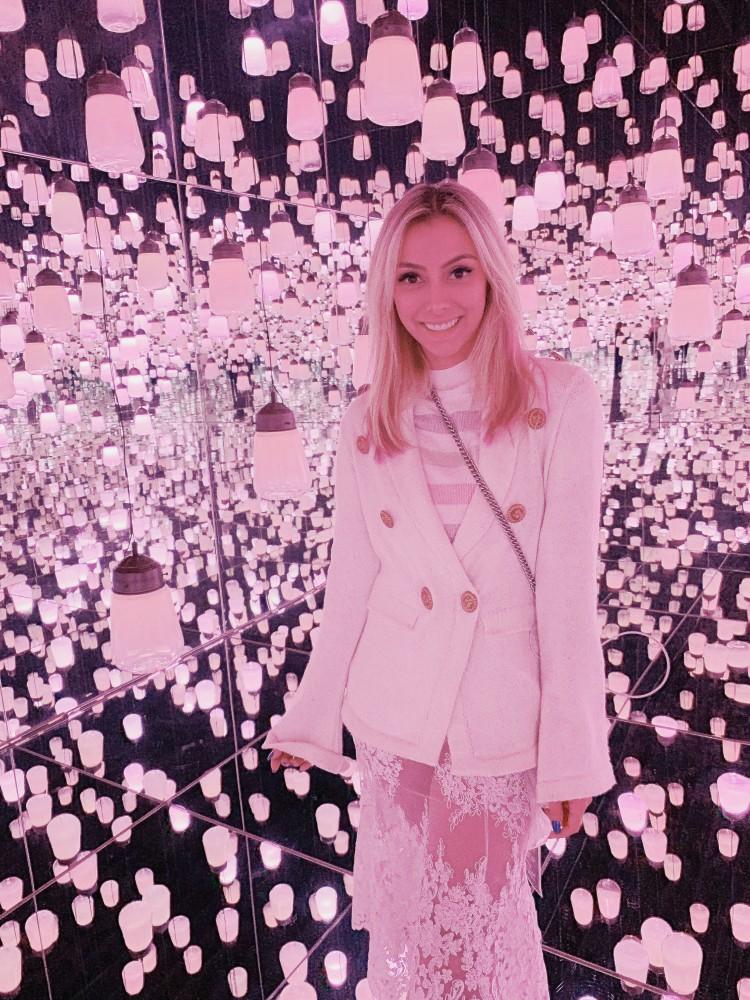 japao-look-all-white-saia-renda-transparente-blazer-tricot-branco-look-loiras-japao-museu-teamlab-borderles