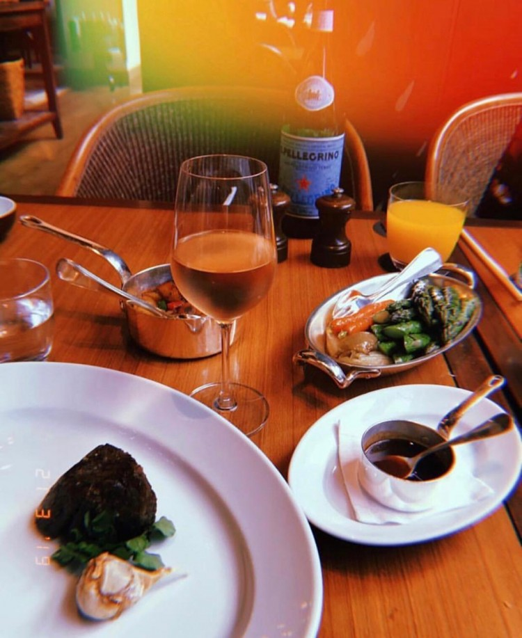 restaurante-grand-hyatt-oakdoor-omi-beef-Matsusaka-beef-japao-deborah-zandona-prato-de-mil-reais-300-dolares